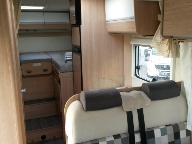 sunlight t67 automaat camper interieur