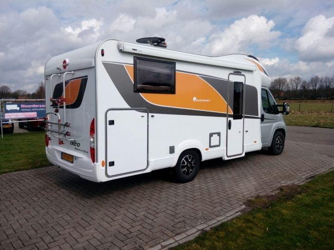 Camper Badkamer Wasbak : B090 burstner ixeo 726 automaat noorderzon campers